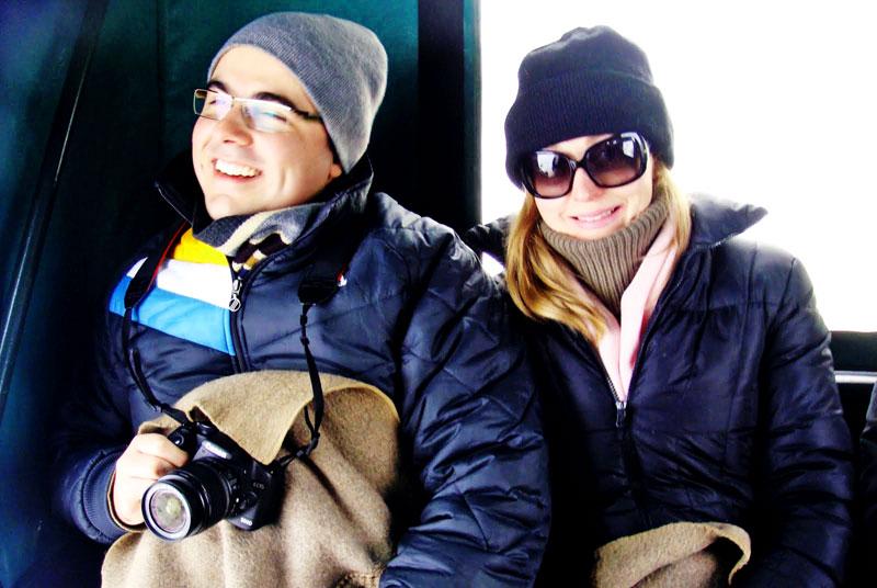 Eu e o meu marido Alyson Darugna na charrete