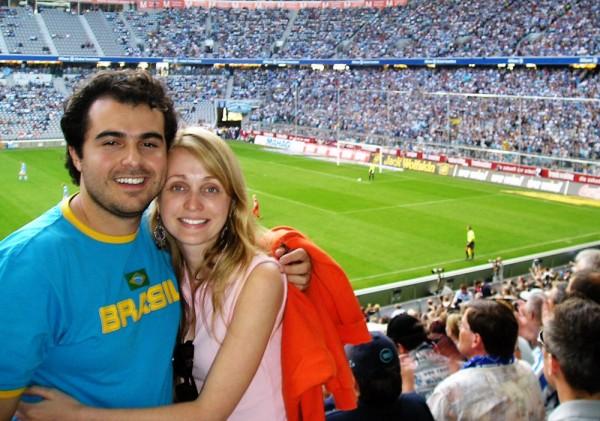 Eu e minha esposa Patrícia Darugna no Allianz Arena