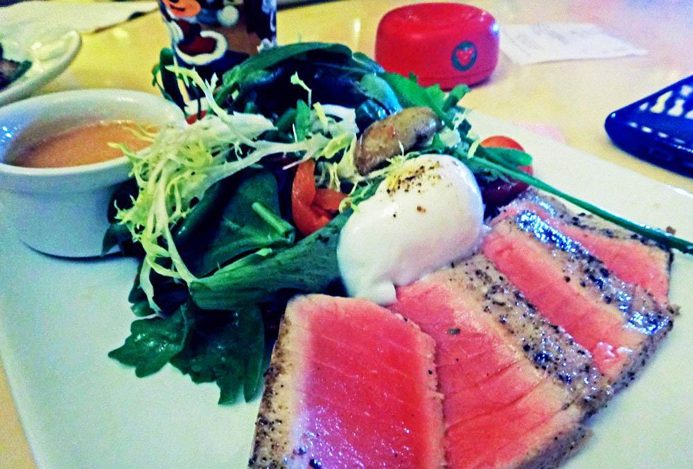 Minha salada de atum, estava deliciosa