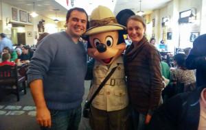 Eu e minha esposa Patrícia Darugna com o Mickey