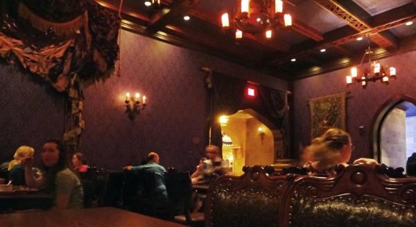 West Wing- Umas das 3 áreas para refeições no Be Our Guest Restaurant