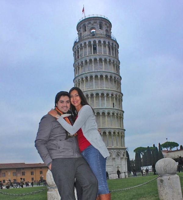 torre di pisa 600x656 O que conhecer em Pisa na Itália? Roteiro e dicas para 1 dia de viagem.