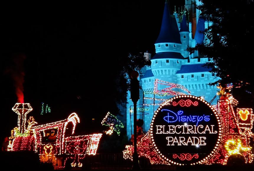 Disney's Electrical Parade, o desfile elétrico de final do dia no Magic Kingdom
