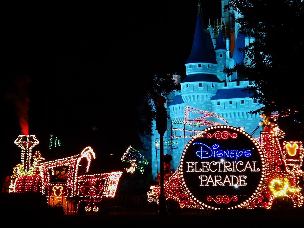 Disney's Electrical Parade, o desfile elétrico de final do dia no Magic Kingdom