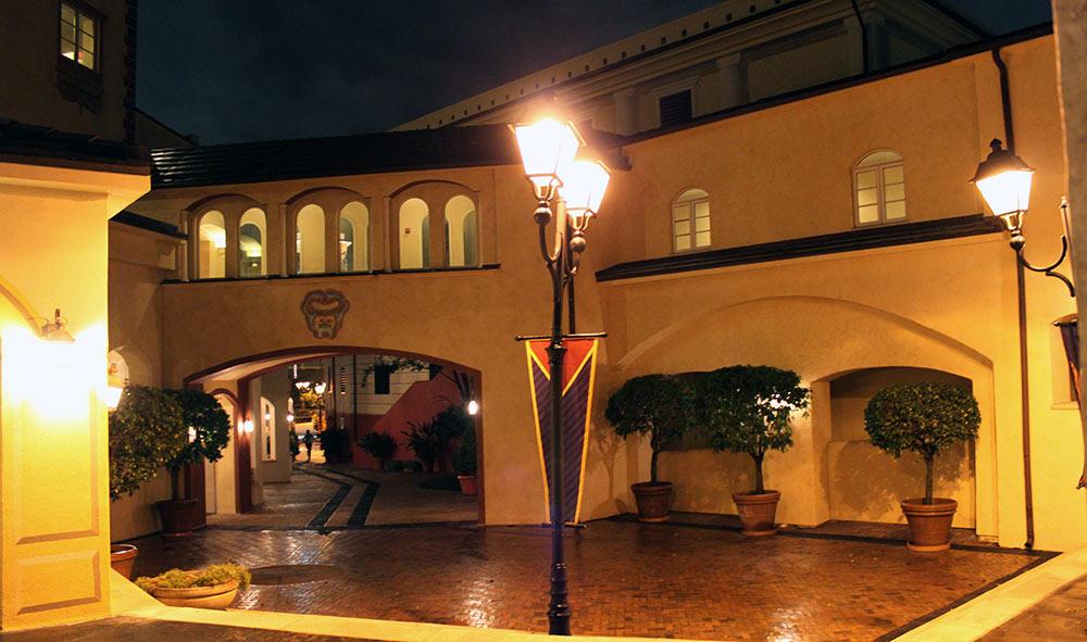 A arquitetura italiana inspira todo o complexo do Loews Portofino Bay Hotel