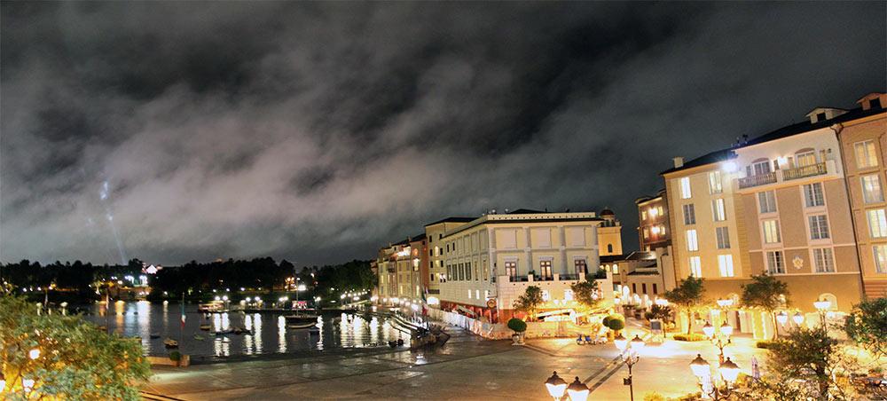 Panorama da área externa do Loews Portofino Bay Hotel