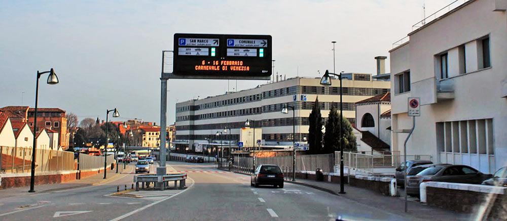 Prédio de estacionamento Autorimessa Comunale, em Veneza