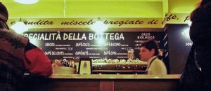 """O interior de uma """"Bottega"""" em Fiera di Primiero"""