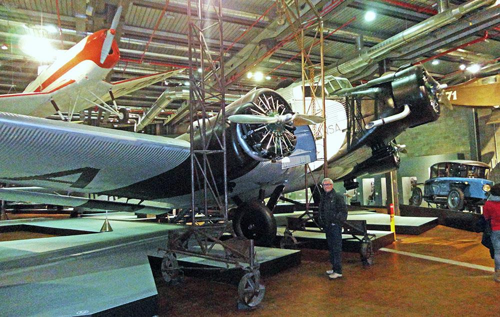 Avião no interior do Museu Alemão Tecnológico de Berlim