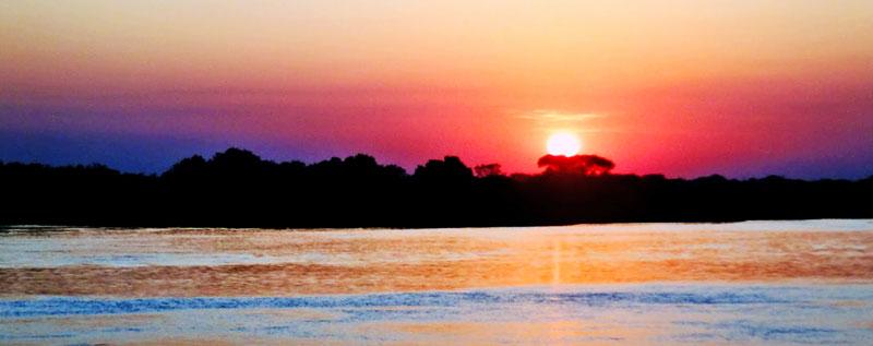 Pôr do sol no Rio Paraguai