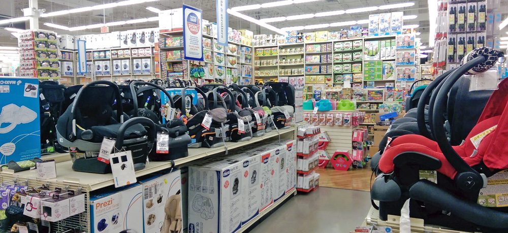 """A seleção de """"car seats"""", ou Bebê Conforto, como chamamos por aqui, também é bem grande e variada na loja Buy Buy Baby"""