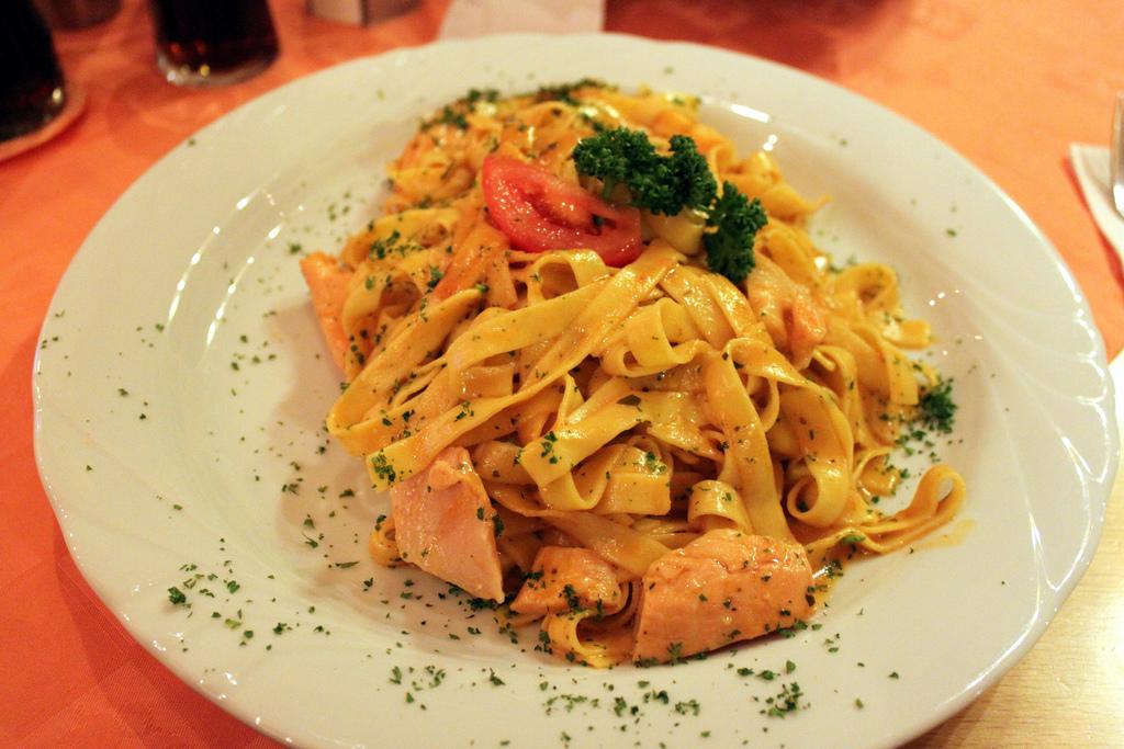 Pasta com Salmão que eu comi não na Itália, mas sim em Füssen, Alemanha