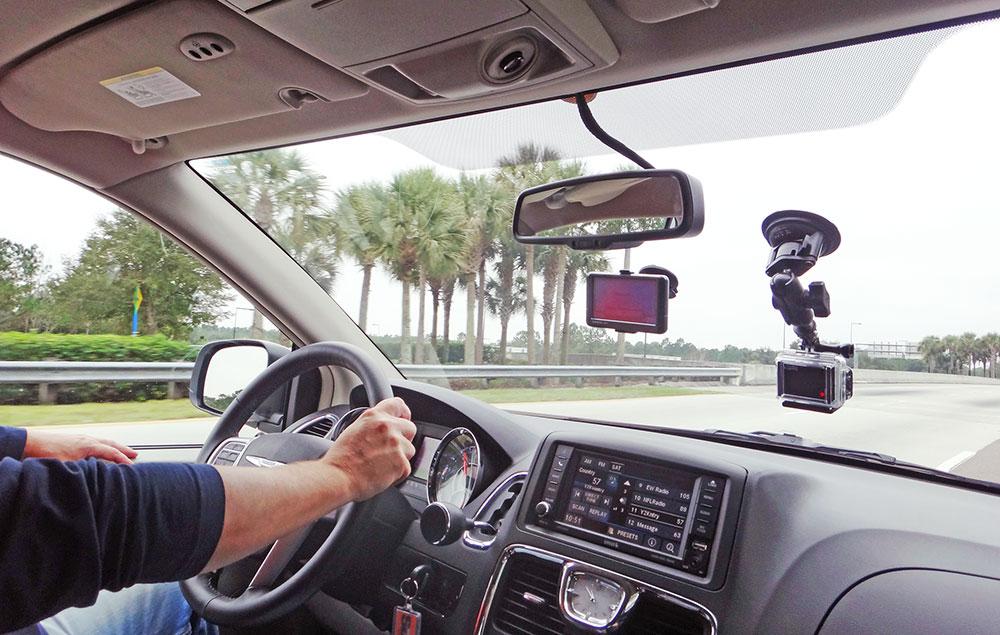 Dirigindo uma Minivan em Orlando, Flórida