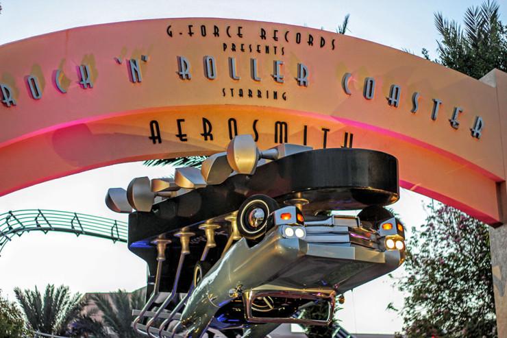 A atração Rock 'n' Roller Coaster featuring Aerosmith