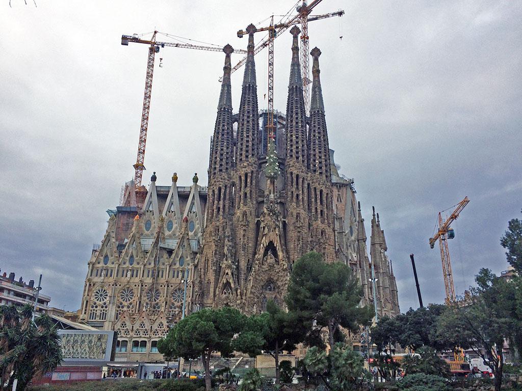 A majestosa e inacabada Igreja Sagrada Família