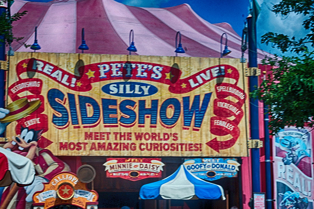 magic-kingdom-fantasyland-storybook-circus-petes-silly-sideshow